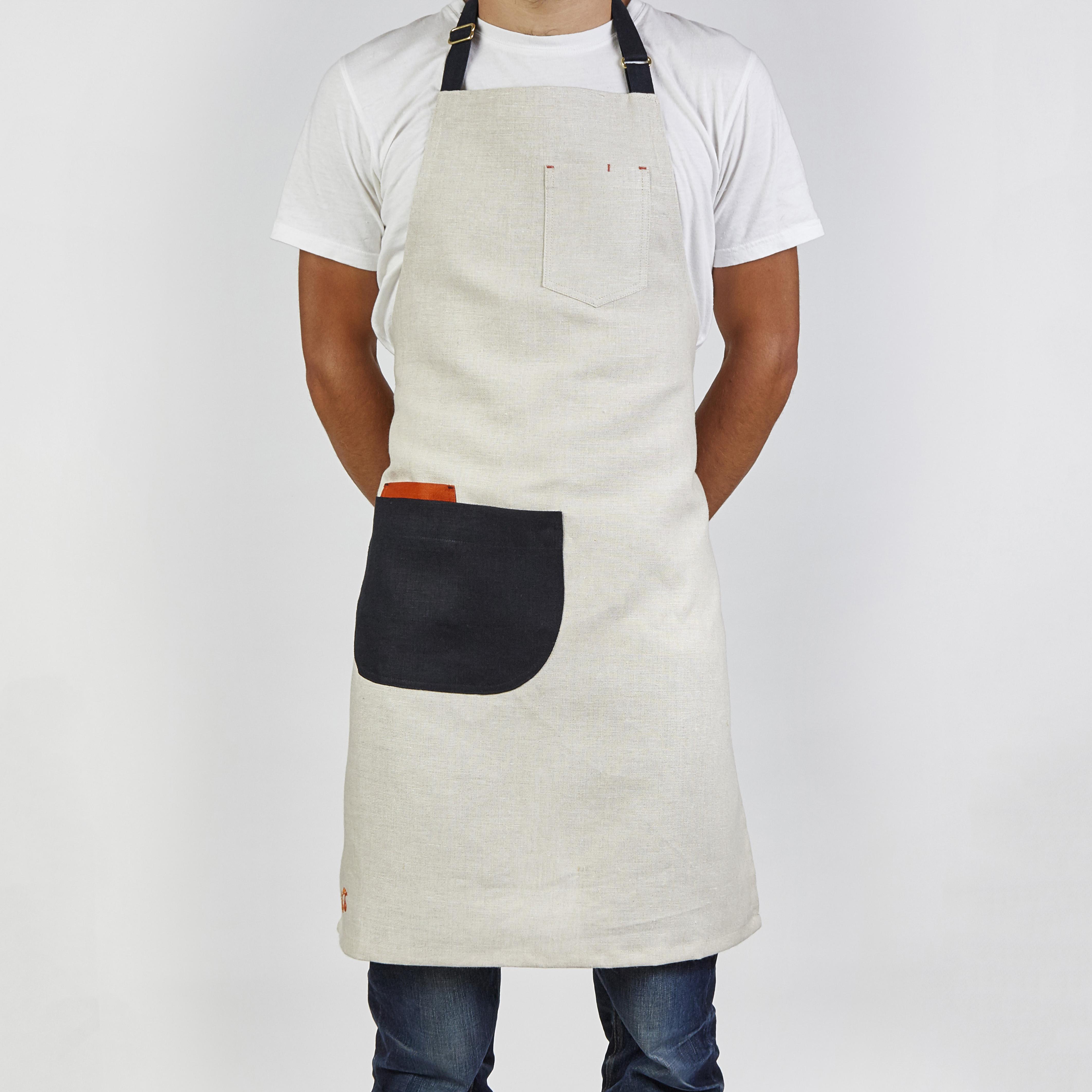 White apron ireland - Acorn Front Shot